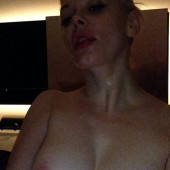 Rose McGowan topless