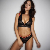 Rosie Jones hot