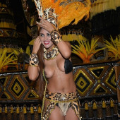 Rosie Oliveira nude