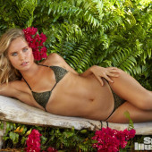 Sailor Brinkley Cook sports illustrated