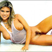samantha fox topless pictures
