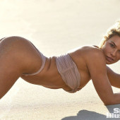 Samantha Hoopes hot