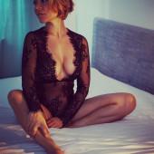Sandra Ahrabian topless