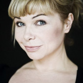 Sandra Steffl sexy