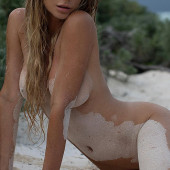Sara Jean Underwood nude photos