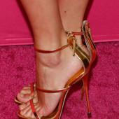 Sara Sampaio feet