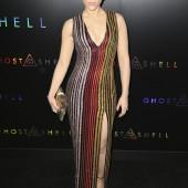 Scarlett Johansson ausschnitt