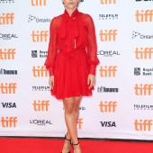 Scarlett Johansson legs