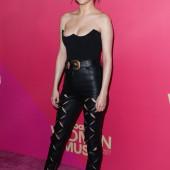 Selena Gomez body