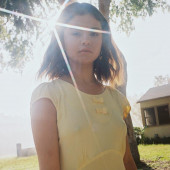 Selena Gomez nippel