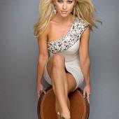 Shannon McAnally feet