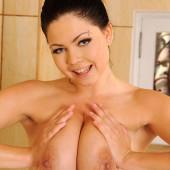 Shione Cooper porn pics