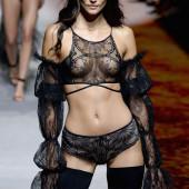 Sofia Resing lingerie