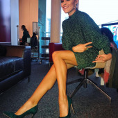 Sophia Thomalla beine