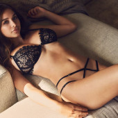 Sophie Mudd sexy