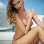 Stefanie Balk komplett nackt