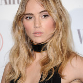 Suki Waterhouse hot