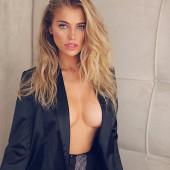 Tanya Mityushina braless