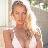 Tanya Mityushina dekolete
