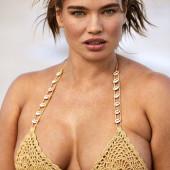 Tara Lynn sexy