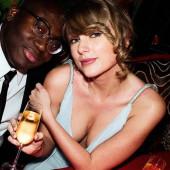 Taylor Swift dekollete