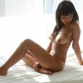 Than Nhan Hoang nackt bilder