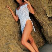 Tiffani Thiessen tits