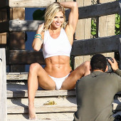 Torrie Wilson uncensored