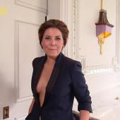 Vanessa Blumhagen ausschnitt