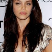 Vanessa Ferlito cleavage