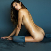Vanessa Hanson sexy