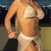 Vanessa Oyarzun pantyless