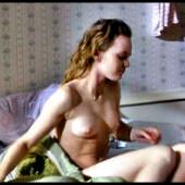 nackt Paradis Alysson Beth Behrs