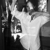Victoria Beckham pantyless