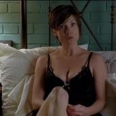 Zoe McLellan sex scene
