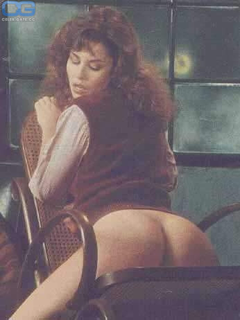 Barbara Edwards  nackt