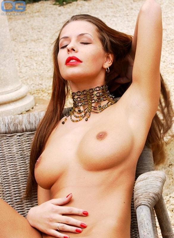 Maureen Sauter  nackt