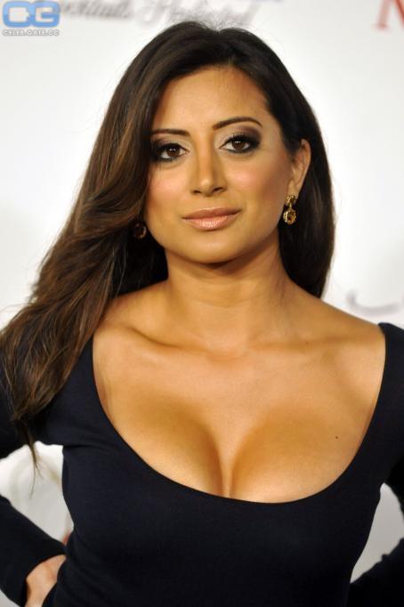 Noureen DeWulf  nackt