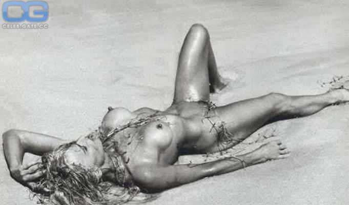 Nude friederike linke Jennifer Lawrence's