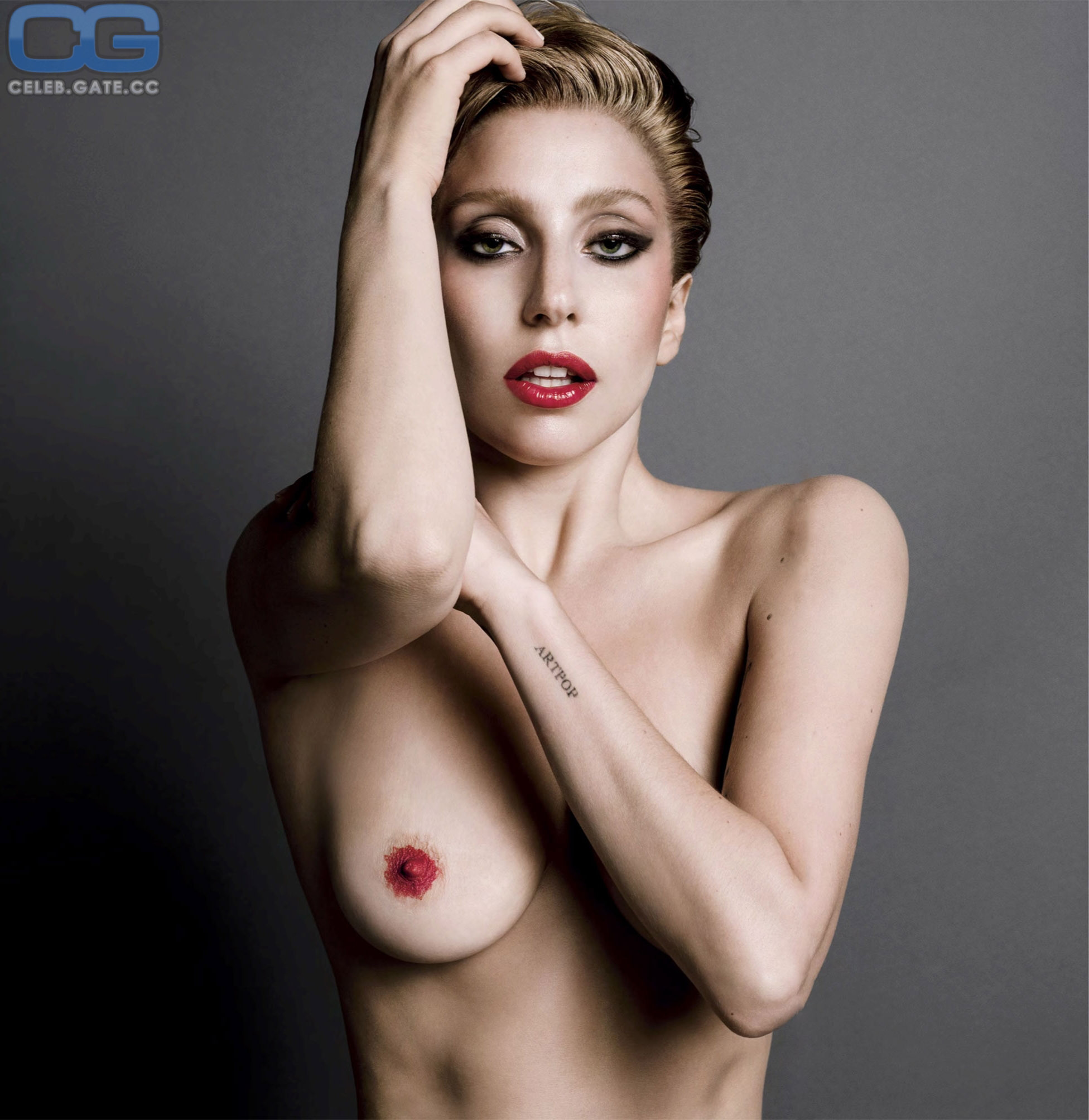 Lady Gaga Oben Ohne
