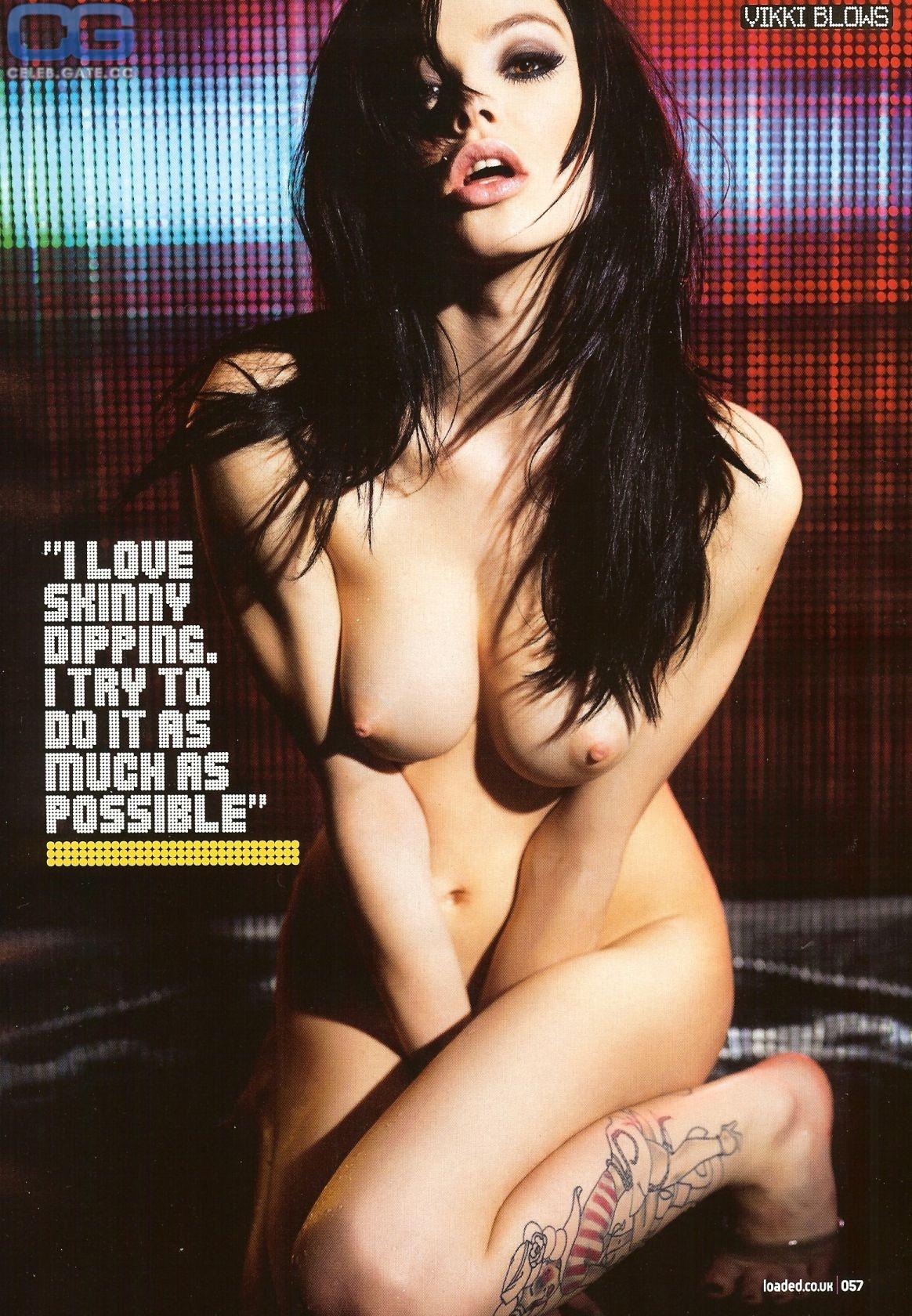 vikki-blows-ass-crack-lil-cute-nudes-girls