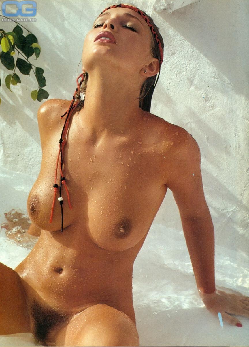 Corinna Drews  nackt