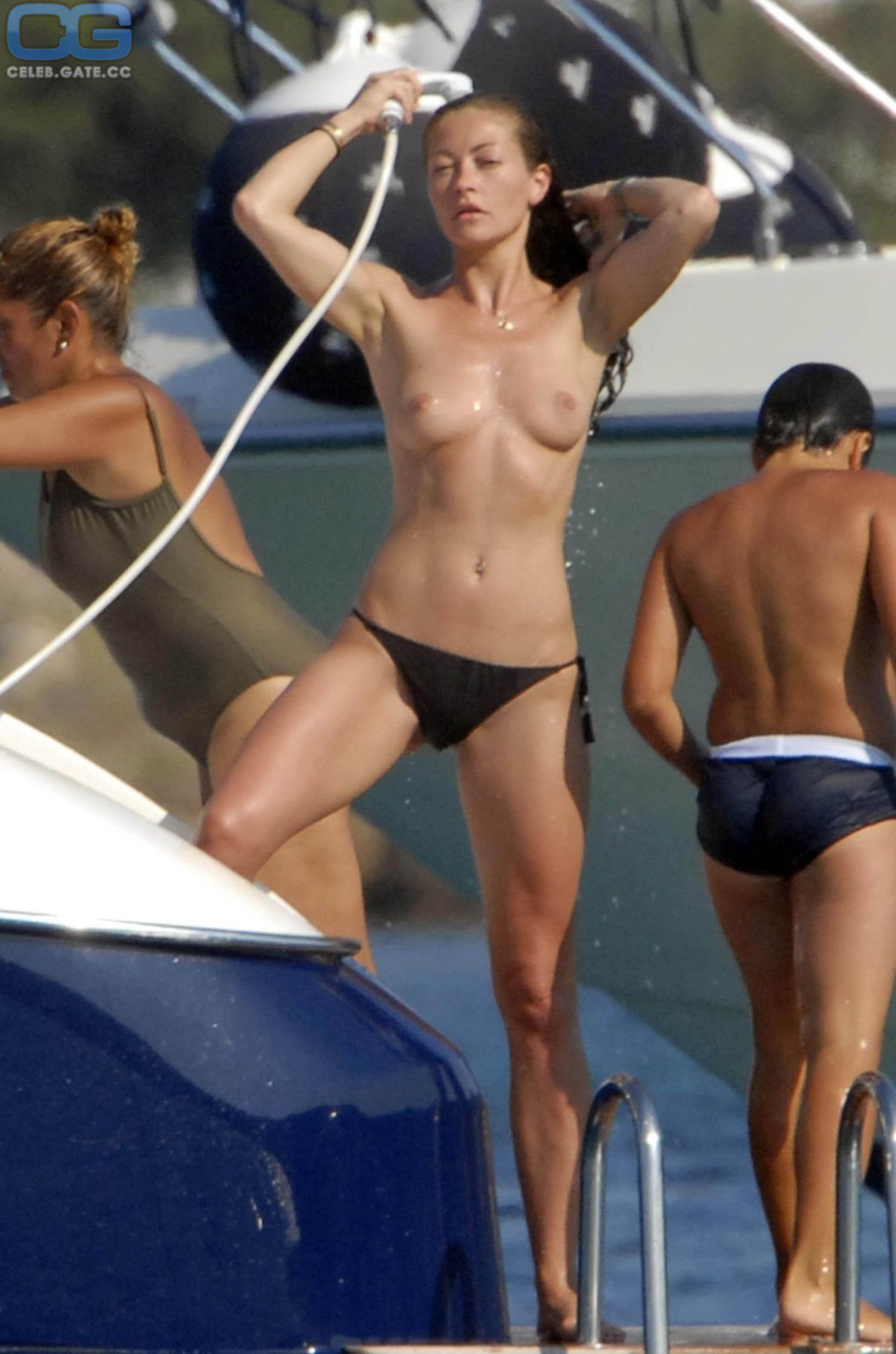 Paul  nackt Rhonda Too Hot