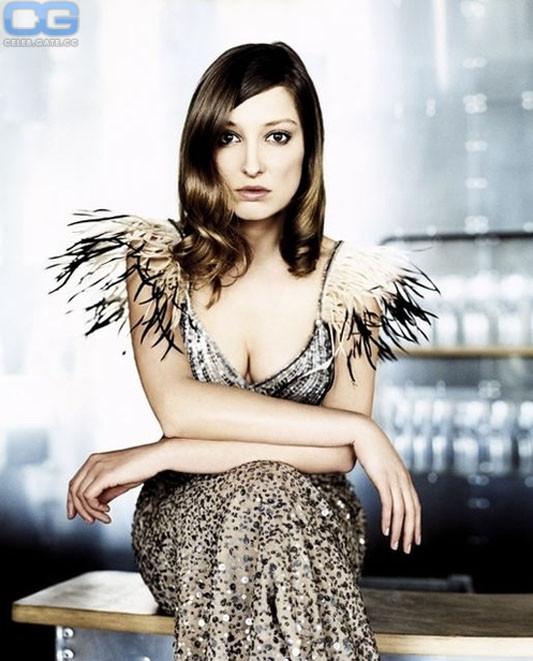 Lara nackt Clancy Nina Hoss