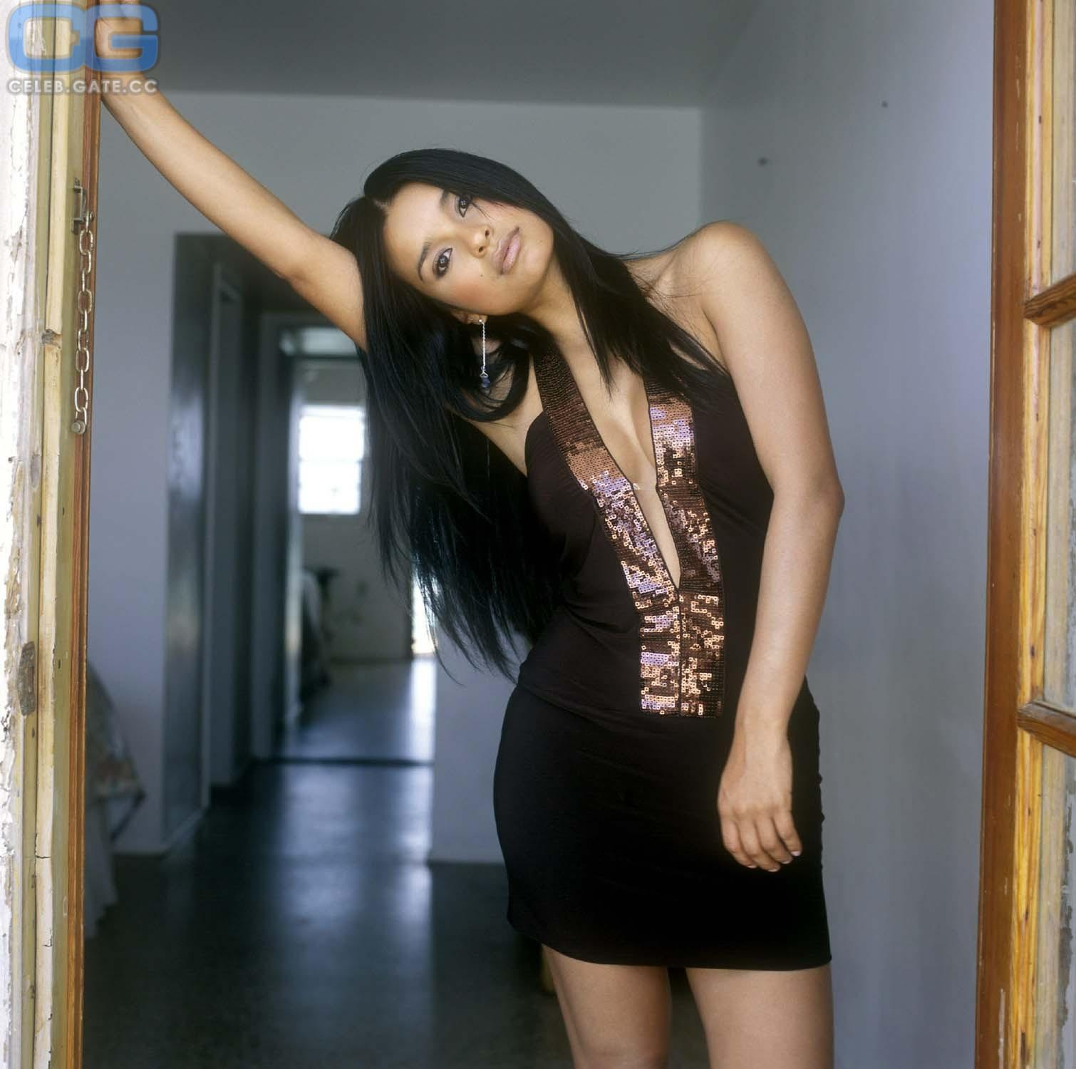 Paola Rey  nackt
