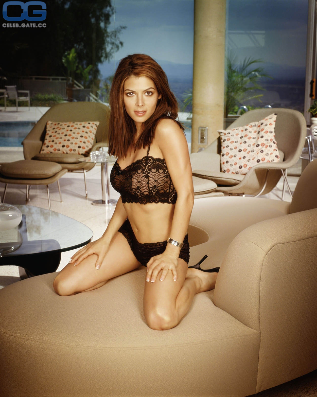 Nackt  Alexandra Adi Kate Mara