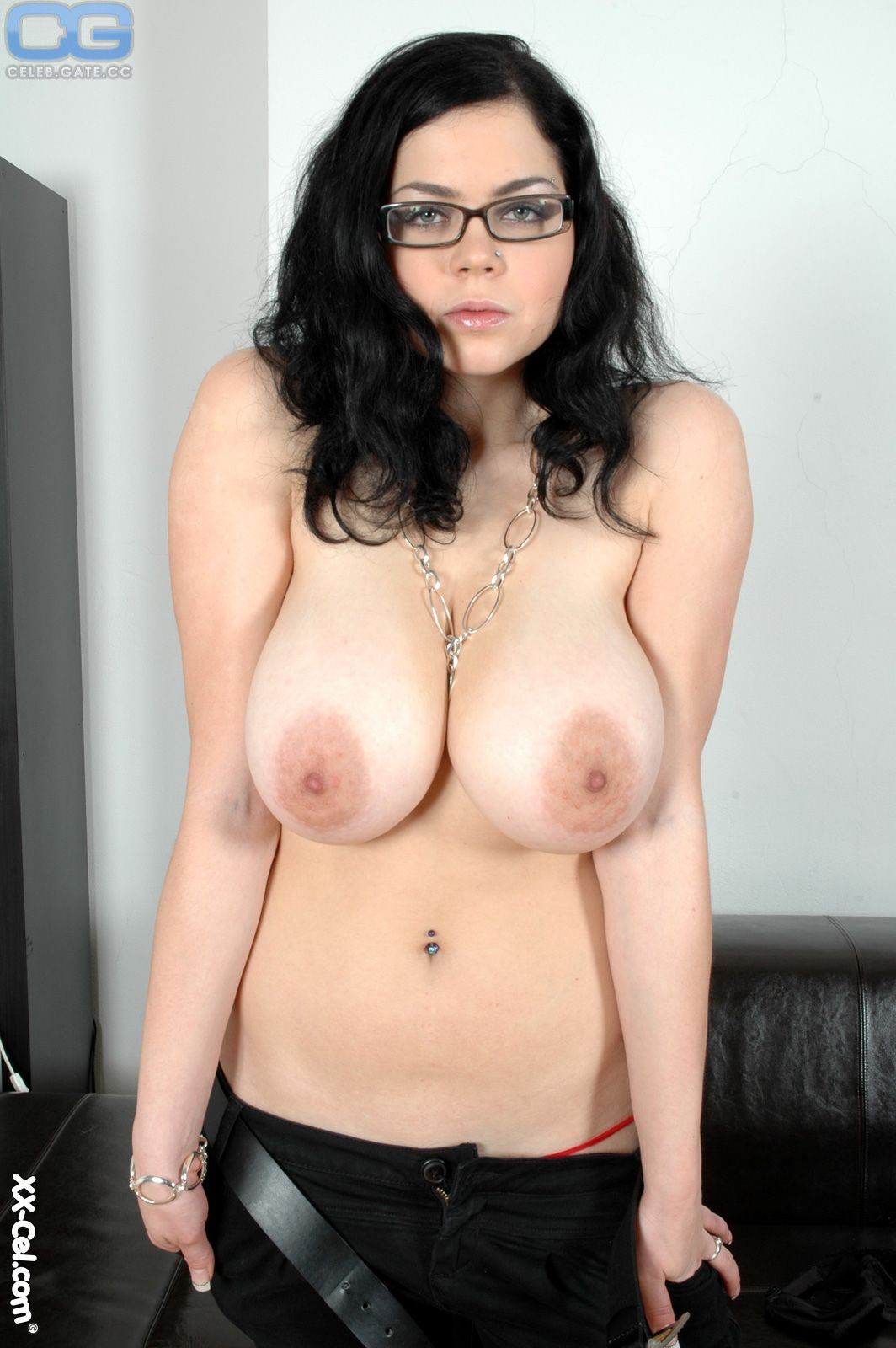 Naked shione cooper New Shione