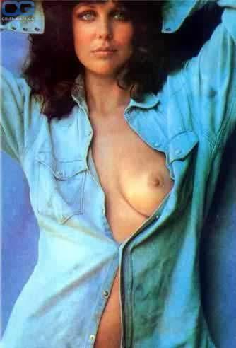 Fiona Lewis  nackt