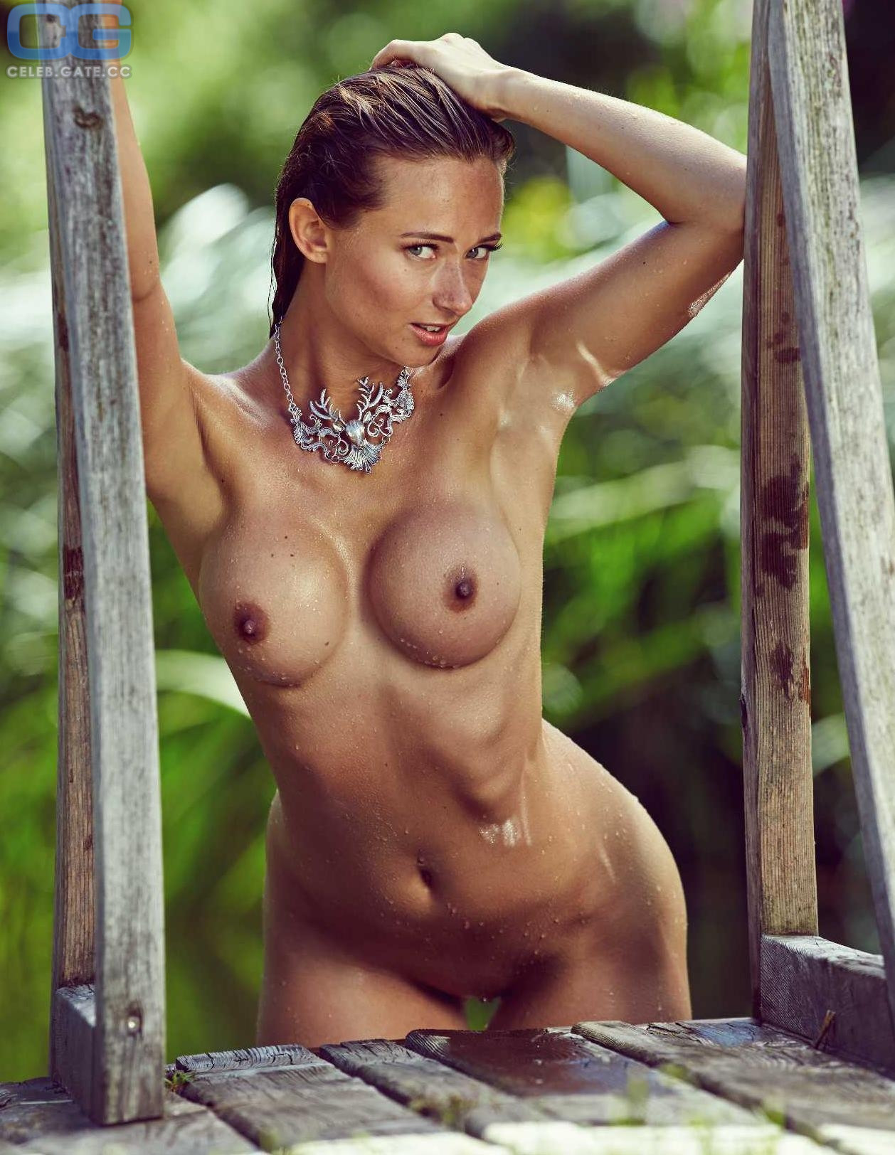 Jessica Kühne  nackt