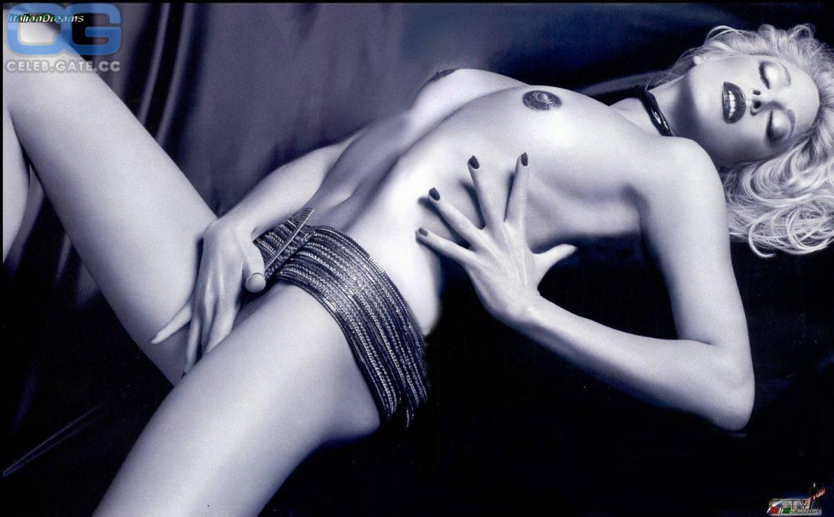 Nackt  Stefania Orlando Stefania Mafra